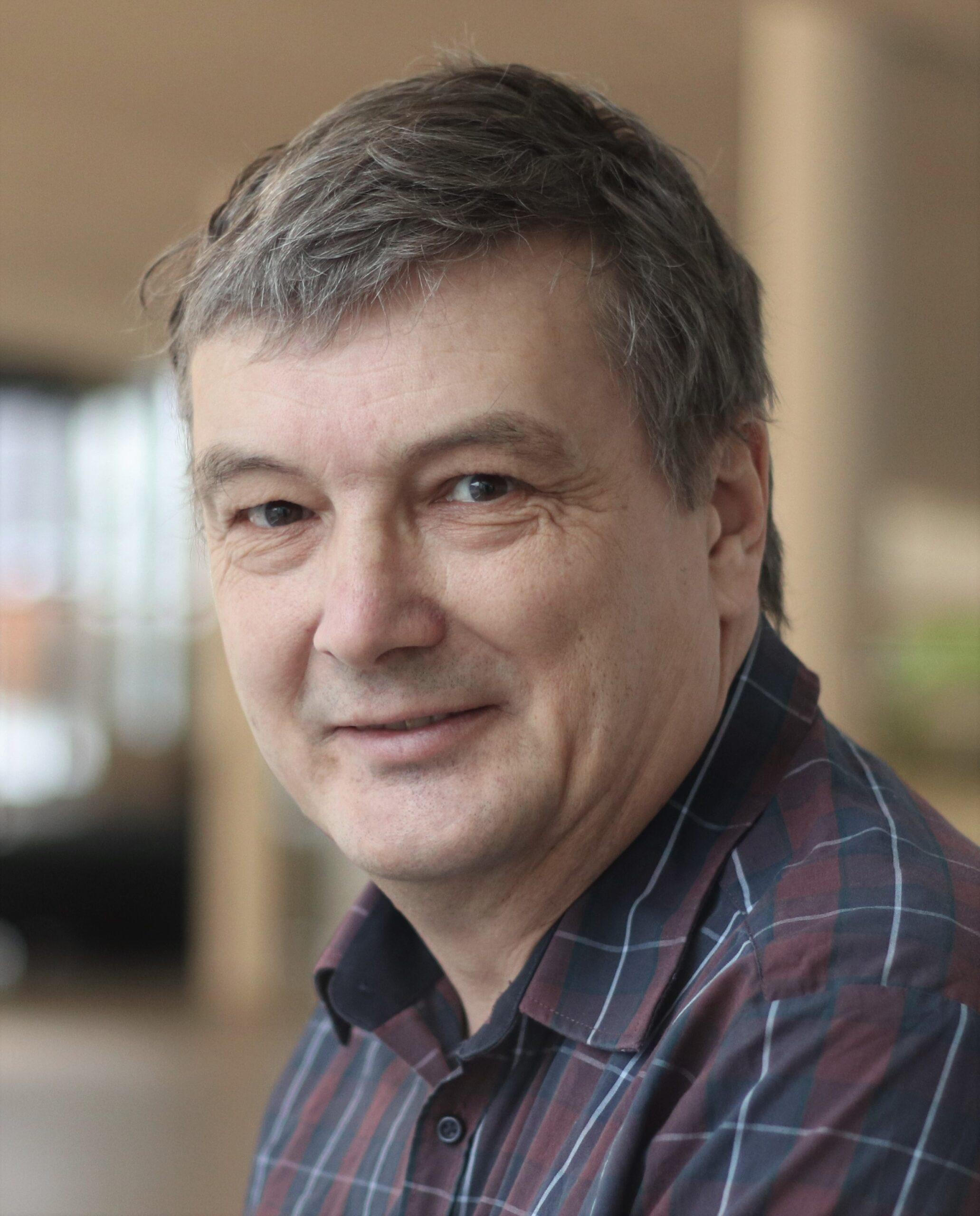 Lars Hoff-Clausen